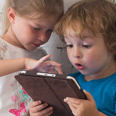 Barn kan ha mye glede av, og lære mye av, å bruke nettbrett